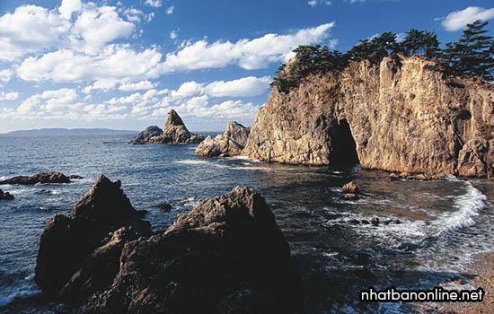 Bờ biển Sasagawa Nagare - danh thắng quốc gia ở Niigata
