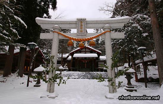 Đền thờ Hirayu Jinja - tỉnh Gifu Nhật Bản