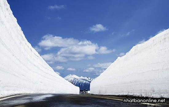 Con đường tuyết Aspite - Hachimantai, tỉnh Iwate Nhật Bản