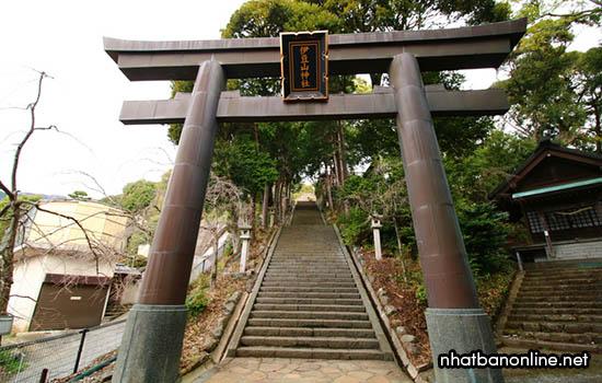 Đền Izu san - tỉnh Shizuoka Nhật Bản