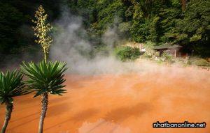 Chinoike Jigoku - suối ngục máu ở Beppu - tỉnh Oita Japan