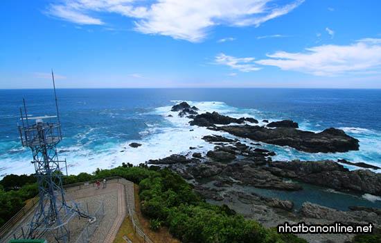 Mũi đất Hionomisaki - Cực nam của đảo Honsu