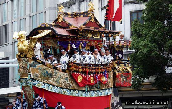Kiệu rước kiểu Hoko trong lễ hội Gion