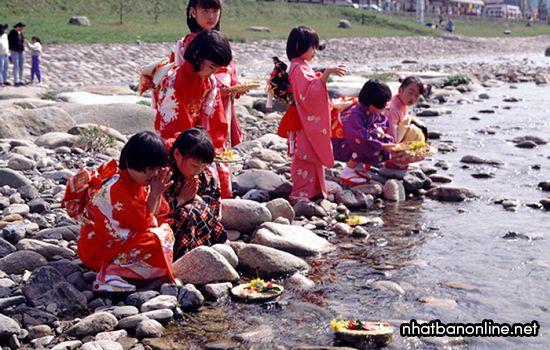 Lễ hội búp bê Hina Matsuri ở Nhật Bản