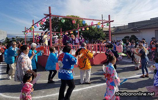 Nhiều hoạt động sôi nổi trong lễ hội Bon