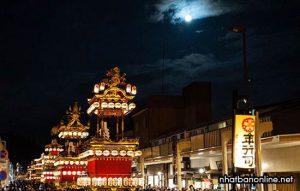 Lễ hội truyền thống Takayama với vẻ huyền bí về đêm