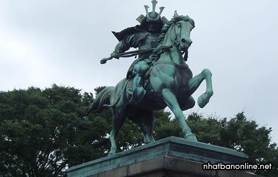 Tượng samurai Nhật Bản