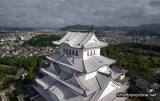 Truyền thuyết về lâu đài Himeji
