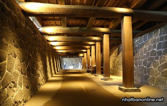 Hành lang dưới đất của lâu đài Kumamoto