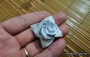 Cách gấp hoa hồng bằng giấy Origami