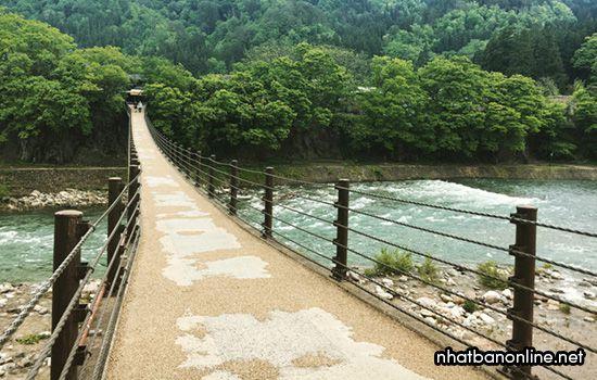 Cây cầu Kỳ duyên Deaibasi