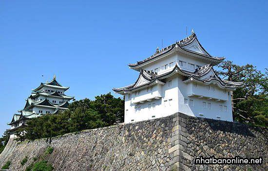 Tháp tây nam của thành cổ Nagoya