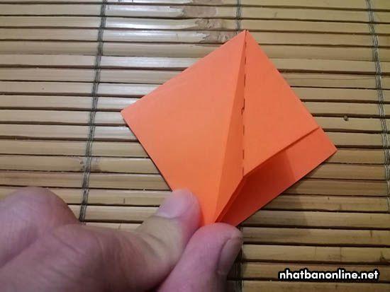 Cách gấp hoa ly bằng giấy