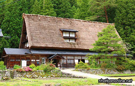 Nhà theo kiến trúc Gassho của dòng họ Iwase