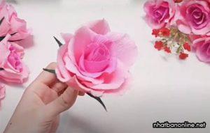 Cách gấp hoa hồng bằng giấy nhún