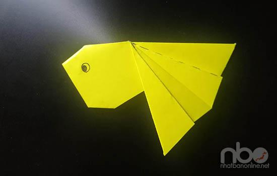 Cách gấp con cá vàng đơn giản